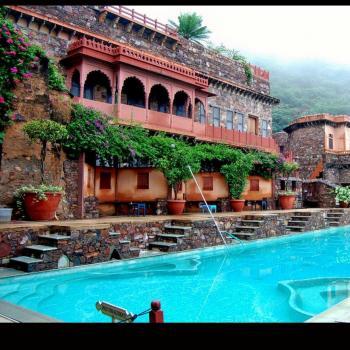 resorts near delhi ncr in delhi