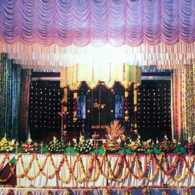 Pullens  Decorations