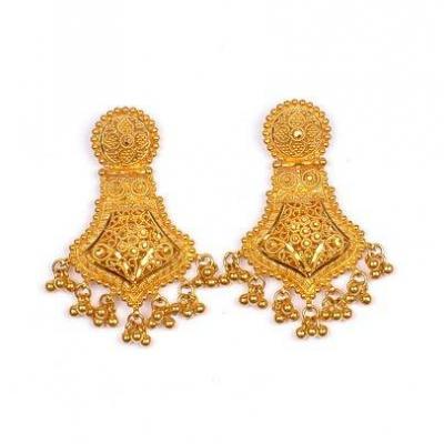 Earrings at Kairali Jewellers in Adivad