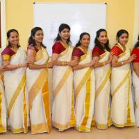 Thiruvathira Costumes at Mayilpeeli Dance Collection in Kalady